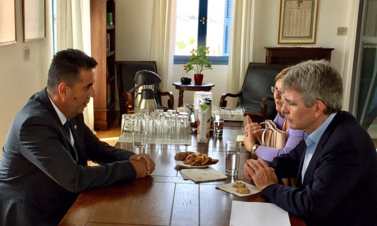 Ambassador Pyatt discusses with the Mayor of Nafplio. (State Department Photo)